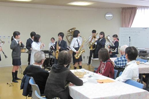 学生による演奏の様子